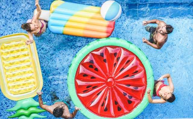 Μήπως φιλοξενείτε φίλους το καλοκαίρι; Με ποια ζώδια θα περάσετε καλά;