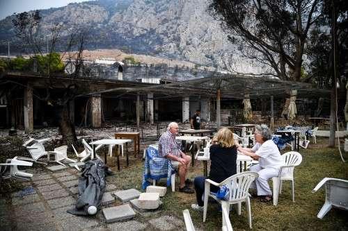 Κάλεσμα Αirbnb στην Ελλάδα: «Ανοίξτε τα σπίτια σας για τους εκτοπισμένους που έχασαν το δικό τους»