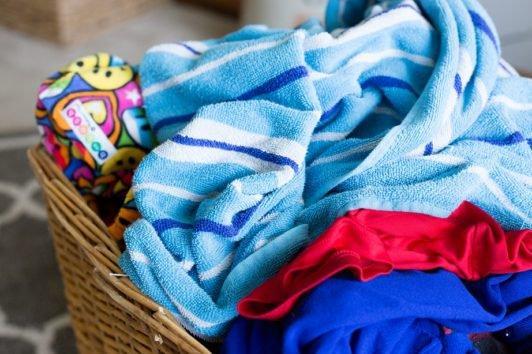 3+1 Μοναδικές Χρήσεις της Μαγειρικής Σόδας στα Ρούχα του Πλυντηρίου!