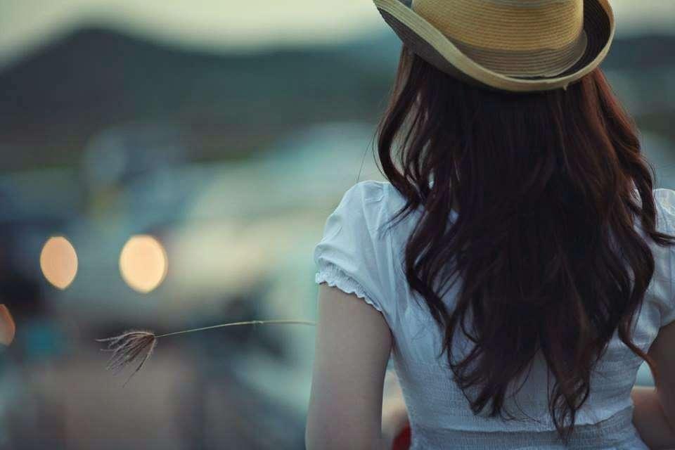 Να παραιτείστε από ό,τι δε σας αξίζει. Κι ας αγαπάτε.