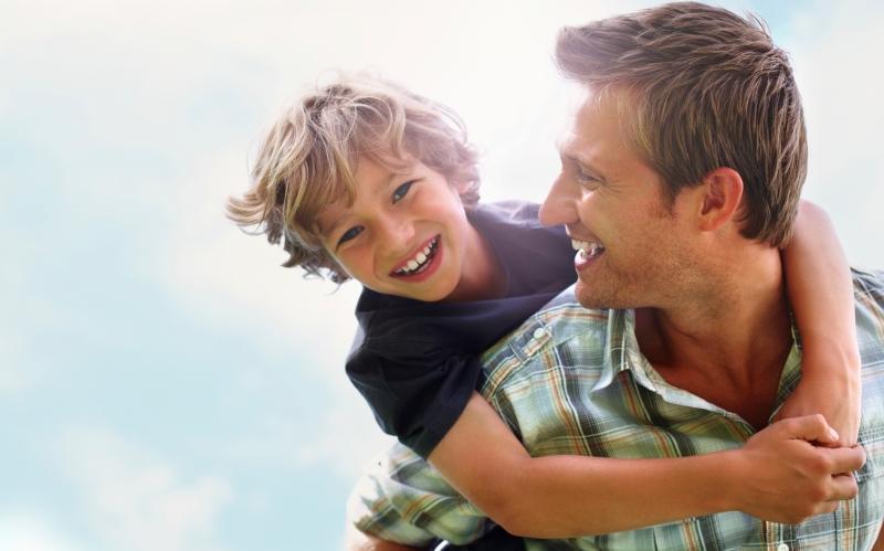10 βασικά πράγματα που χρειάζεται ένας γιος από τον πατέρα του για να τον προετοιμάσει για τη ζωή