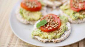 5+1 υπέροχες ιδέες για γρήγορα και νόστιμα σνακ με ρυζογκοφρέτα