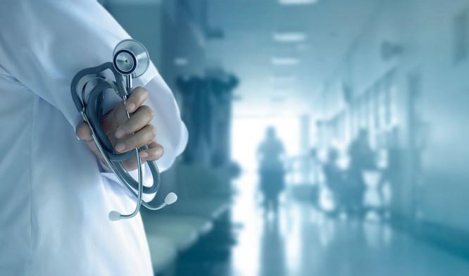 Σοκ σε μαιευτήριο: Συνελήφθη Βρετανίδα νοσοκόμα που κατηγορείται ότι σκότωσε 8 βρέφη