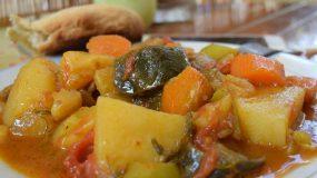 Πεντανόστιμο Τουρλού καλοκαιρινό κατσαρόλας (και συνταγή για ψωμί)!!!!