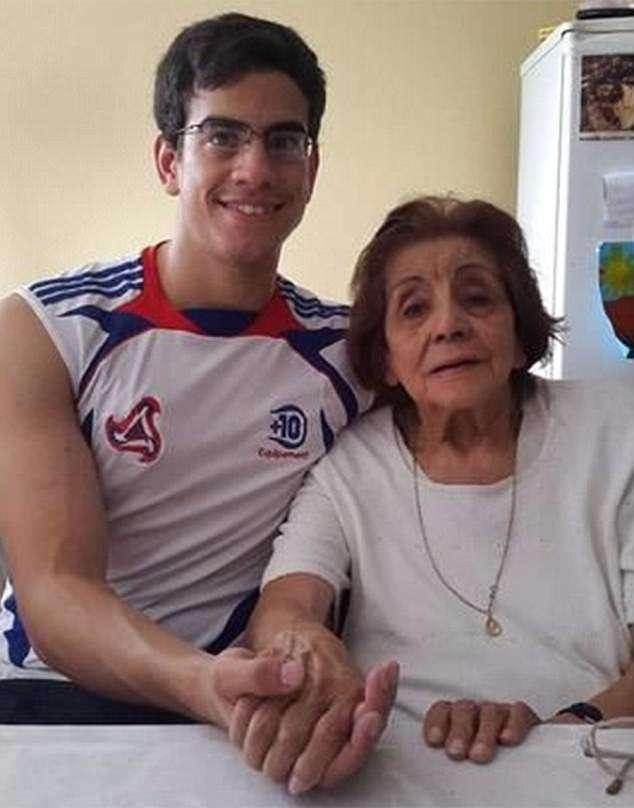 Αυτός ο 23χρονος παντρεύτηκε την 91χρονη αδερφή της γιαγιάς του και απαιτεί σύνταξη χηρείας