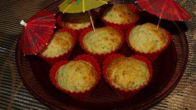 Αφράτα muffins με μοτσαρέλα