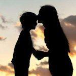 «Στον επόμενο άντρα που θα μπει στη ζωή της μαμάς μου»: Tο συγκινητικό γράμμα ενός παιδιού