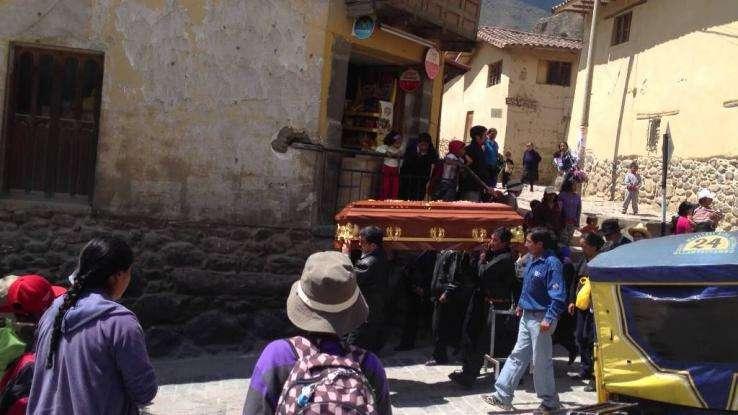 Σοκ! Έφαγαν σε κηδεία και πέθαναν: Δέκα νεκροί και δεκάδες άρρωστοι από δηλητηρίαση