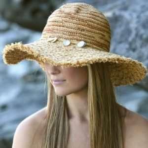 11+1 πανέμορφα γυναικεία καπέλα για να κάνεις τη διαφορά στις παραλίες!