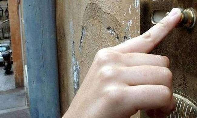 Μεγάλη Προσοχή!Η Αστυνομία προειδοποιεί: Μην ανοίγετε ΠΟΤΕ την πόρτα σε αυτούς τους «επισκέπτες»