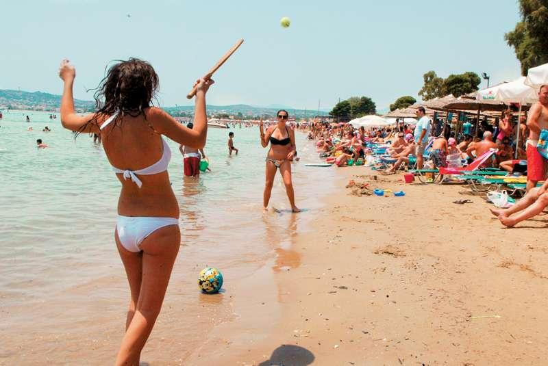 Έρευνα: Ρακέτες στην παραλία: Βοηθούν στη σωστή λειτουργία του εγκεφάλου, μειώνουν τα νοσήματα της καρδιάς και αυξάνουν το προσδόκιμο ζωής
