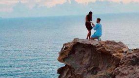 Η ρομαντική φωτογραφία από τη Σαντορίνη που αναστάτωσε το Twitter -Ψάχνουν όλοι αυτό το ζευγάρι (εικόνα)