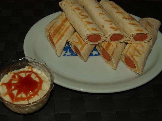 Τορτίγια hot dog! σκέτη απόλαυση!