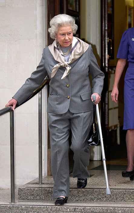 Για αυτό το λόγο η βασίλισσα Ελισάβετ δεν φοράει ποτέ μα ποτέ παντελόνι -Και η Κέιτ το ίδιο!
