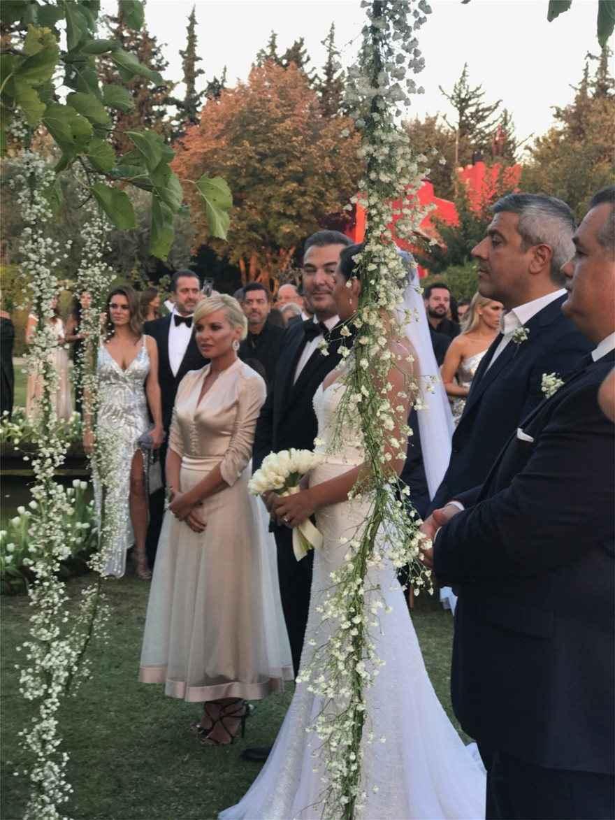 Γάμος Αντώνη Ρέμου - Υβόννης Μπόσνιακ: Δείτε φωτογραφίες από το γάμο της χρονιάς
