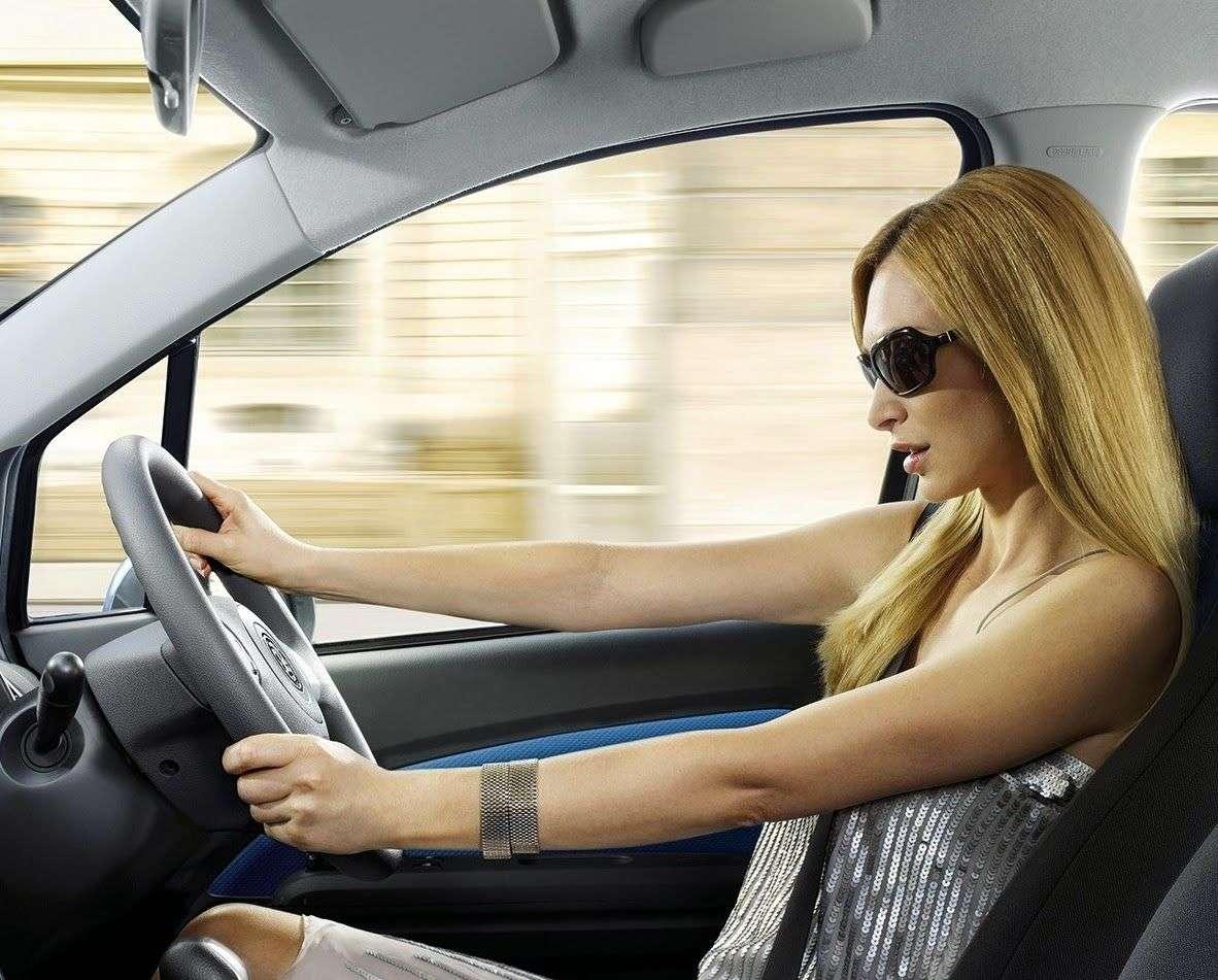 Νέα έρευνα: Οι γυναίκες είναι καλύτεροι οδηγοί από τους άνδρες