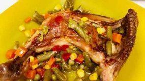 Συνταγή για παιδιά: Κοτόπουλο με ανάμεικτα λαχανικά στον φούρνο !!!