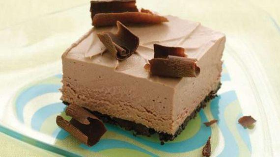 Παγωμένο σοκολατένιο γλύκισμα με ζαχαρούχο γάλα χωρίς ψήσιμο!