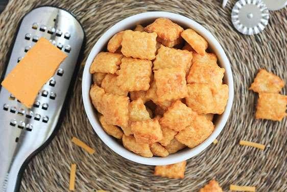 """Σπιτικά """"έξυπνα"""" σνακ για το σχολείο: γευστικές & υγιεινές συνταγές για τους μικρούς μας φίλους!"""