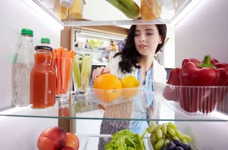 Το τρόφιμο που δεν πρέπει ποτέ να βάζουμε στο ψυγείο δίπλα σε λαχανικά και φρούτα!