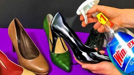 Εκπληκτικό! Παίρνει Σπρέι για τα Τζάμια και ψεκάζει τα Δερμάτινα Παπούτσια της. Μόλις δείτε το Λόγο, θα το κάνετε και Εσείς!