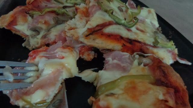 Πεντανόστιμη Πίτσα με οικονομικό τρόπο για το παιδικό πάρτι !!