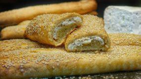 Αφράτα, νόστιμα μπαστούνια με κρέμα τυρί & φέτα για κολατσιό στο σχολείο και όχι μόνο!