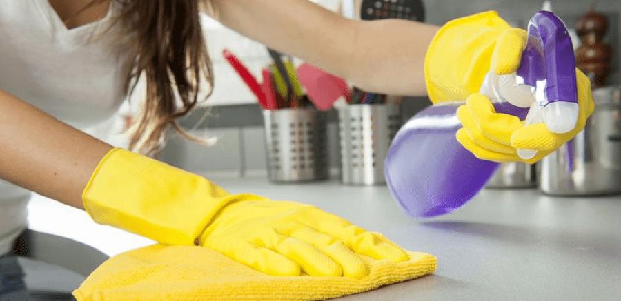 Έρευνα: Η εμμονή με το καθάρισμα συνδέεται με το άγχος και είναι σημάδι ψυχαναγκαστικής διαταραχής