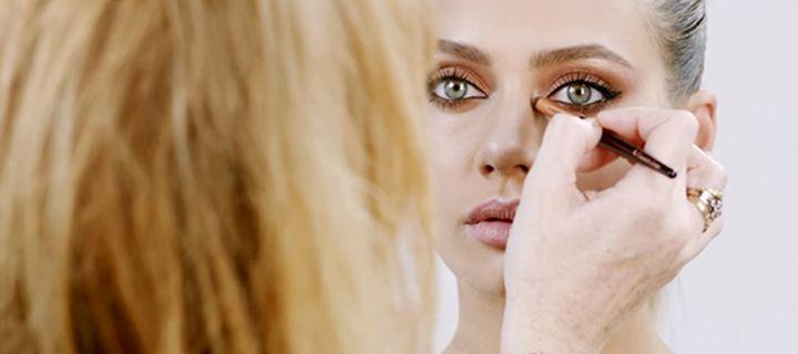 Skin gilding: η νέα τάση στο μακιγιάζ που πρέπει να γνωρίζετε!