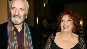 Τρεις γενιές -Η Χρυσούλα Διαβάτη και ο Νικήτας Τσακίρογλου με την κόρη και τα εγγόνια τους στο θέατρο