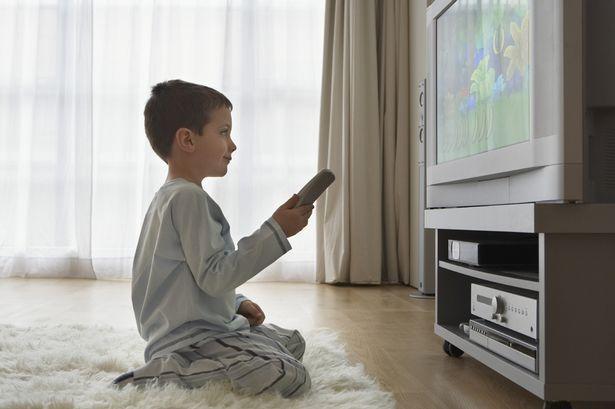 Μπορούν τα παιδιά να μείνουν σπίτι μόνα τους, βάσει νόμου;