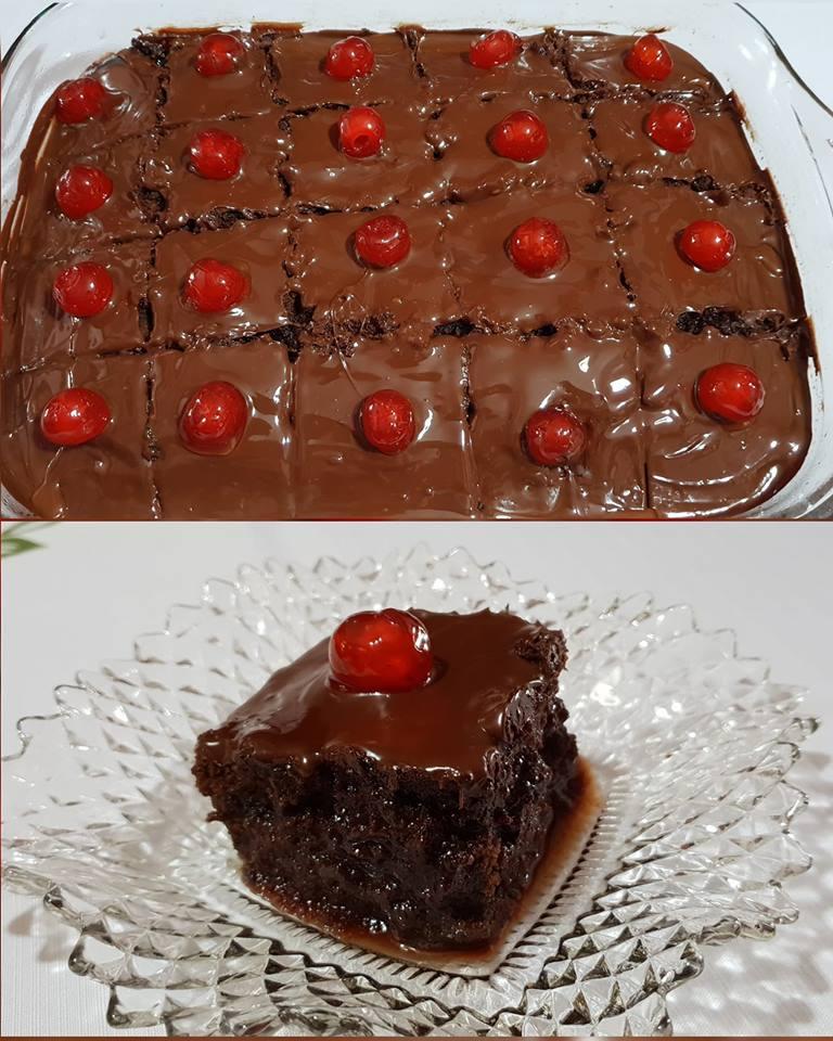 Πεντανόστιμο Νηστίσιμο σοκολατένιο σιροπιαστό κέικ με γλασσο μερεντας.....❣
