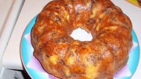 Πεντανόστιμη, εύκολη και γρήγορη τυρόπιτα σε φόρμα του κέικ για μπουφέ, κολατσιό στο σχολείο!