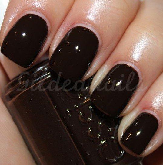 24+1 υπέροχες προτάσεις για σκούρα νύχια φέτος το χειμώνα!