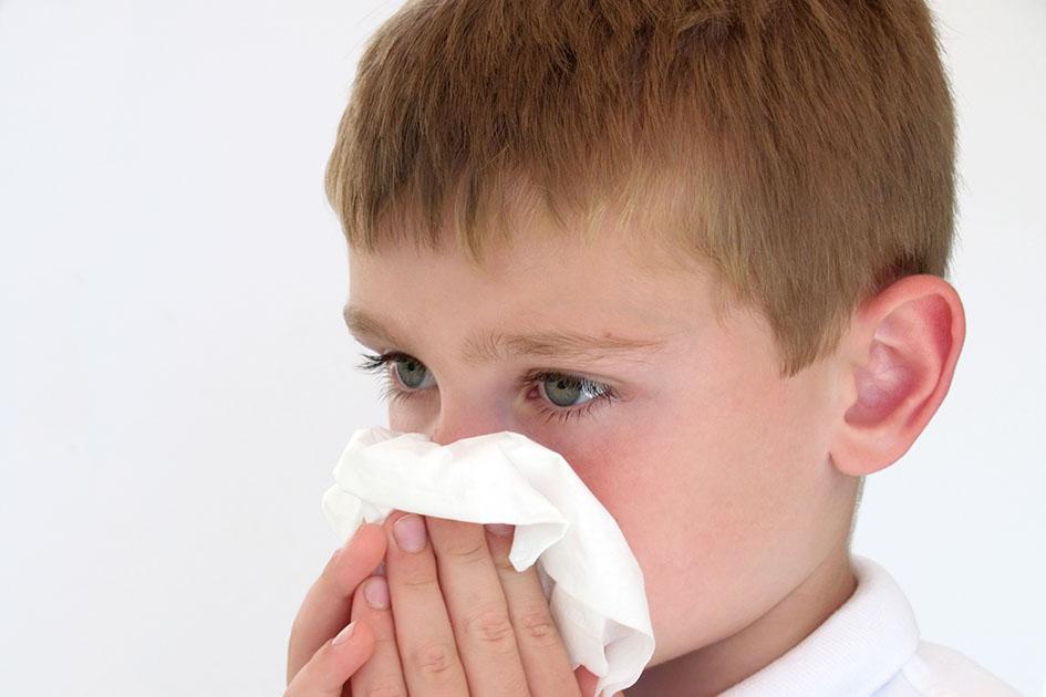 Γονείς, μεγάλη προσοχή! Μη δίνετε αποσυμφορητικά φάρμακα σε παιδιά κάτω των 6 ετών, λένε οι ειδικοί