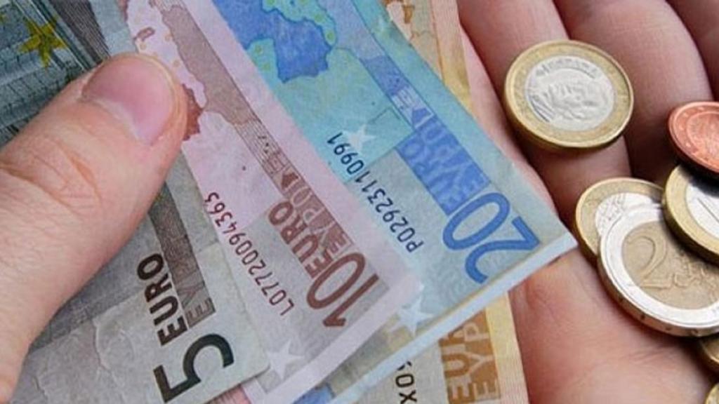 «Ζούσα με 200 ευρώ το μήνα! Με βοηθούσαν οι φίλοι και οι μανάδες των φίλων που μαγείρευαν»