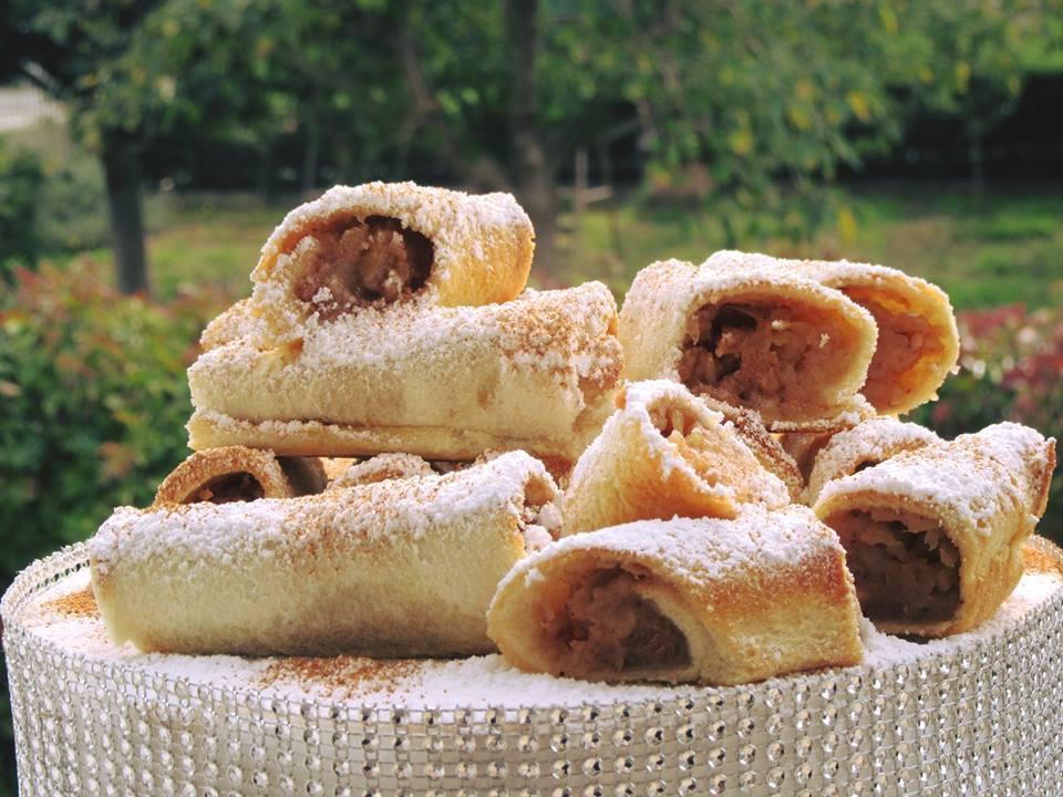 Μηλοπιτάκια με ψωμί του τοστ έτοιμα σε λίγα λεπτά!!