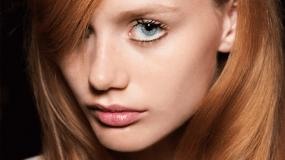Αυτό είναι το νέο hot χρώμα στα μαλλιά και λέγεται Merlot