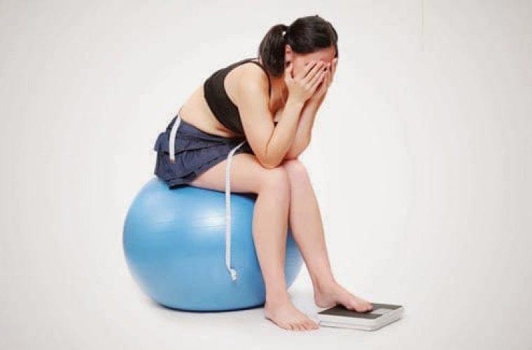 3 ασυνήθιστοι λόγοι που παίρνεις βάρος ενώ προσέχεις