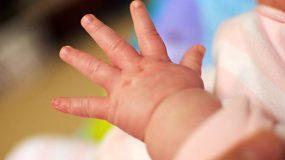 Μυστήριο με 18 γεννήσεις βρεφών χωρίς χέρια στην ίδια περιοχή