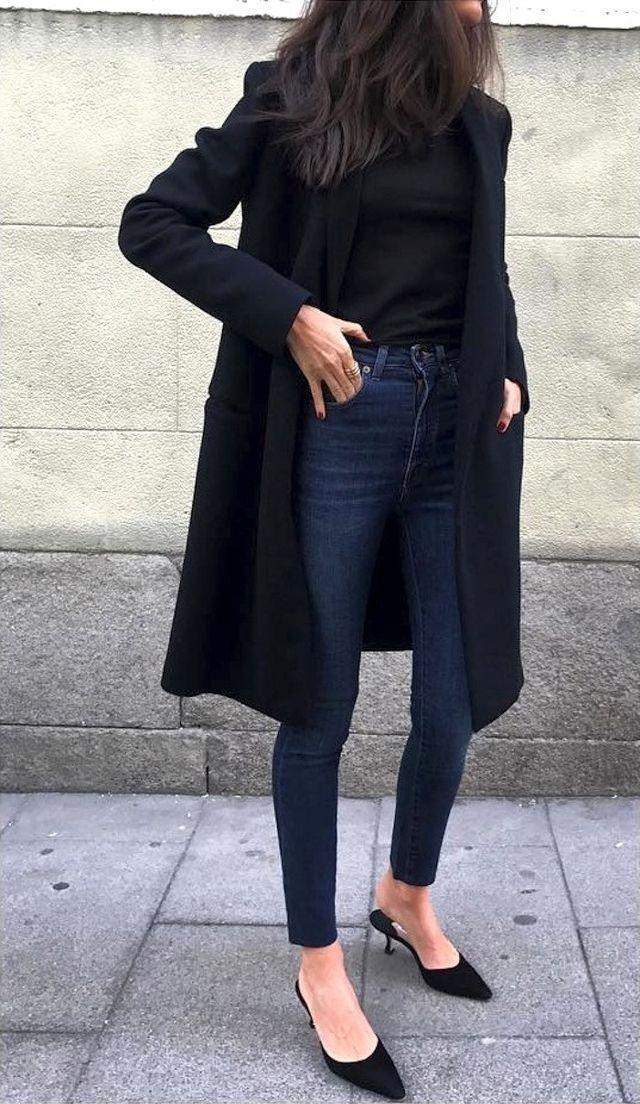 8 tips για όσους έχουν πολλά μαύρα ρούχα στη ντουλάπα τους!
