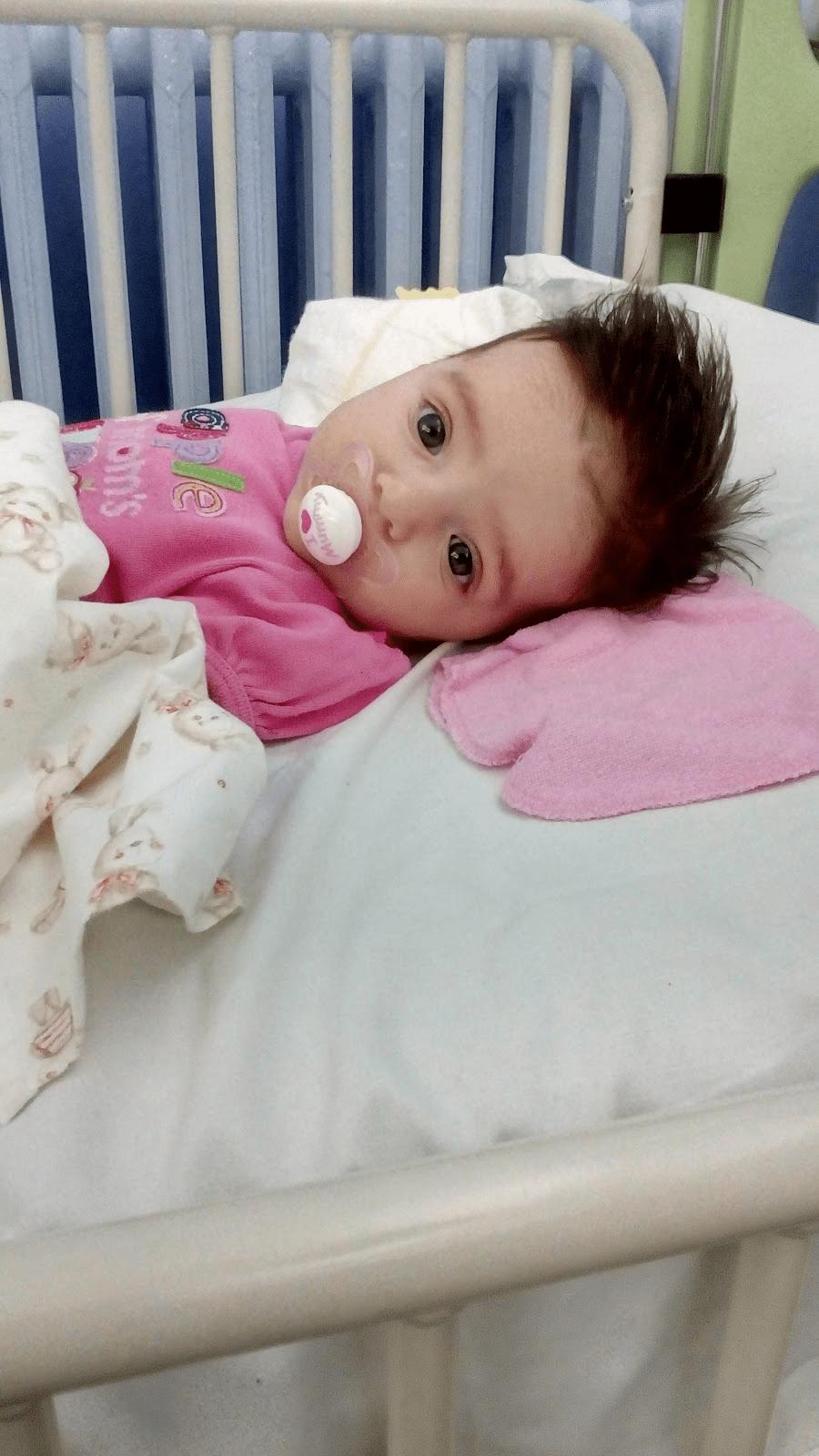 Νοσηλευτήκαμε με βρογχιολίτιδα 2 μηνών. Ποσό επικίνδυνη είναι για τα βρέφη;Η ιστορία μας