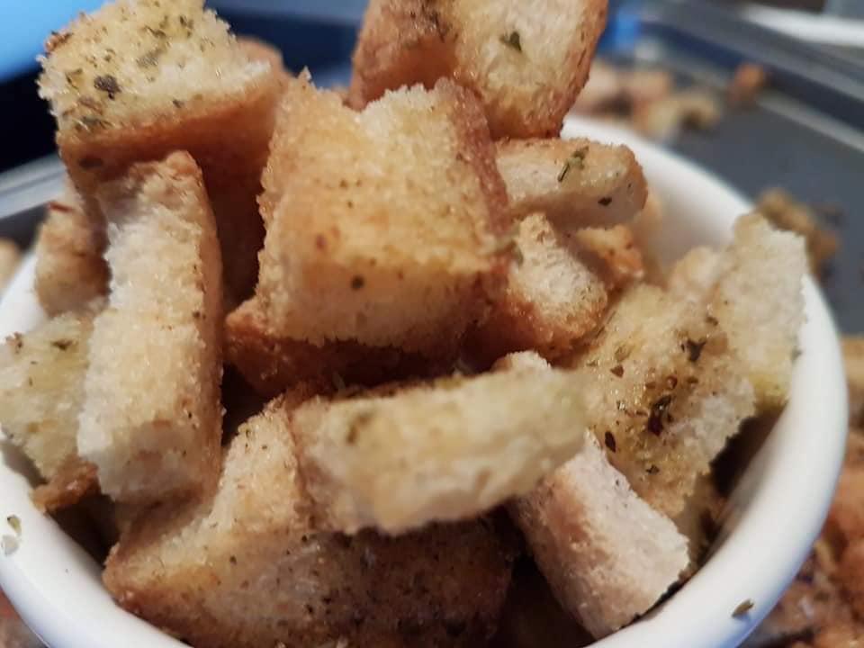 Συνταγή για Πεντανόστιμα Σπιτικά κρουτόν!!!