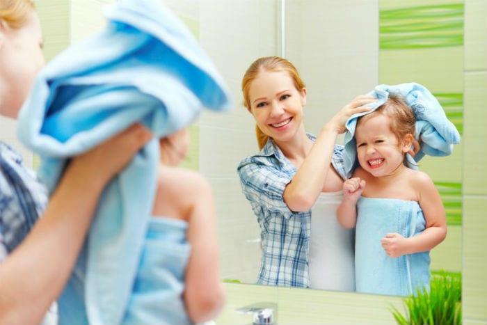 Γι' αυτό πρέπει να κάνετε μπάνιο τα παιδιά σας αμέσως μετά το σχολείο;