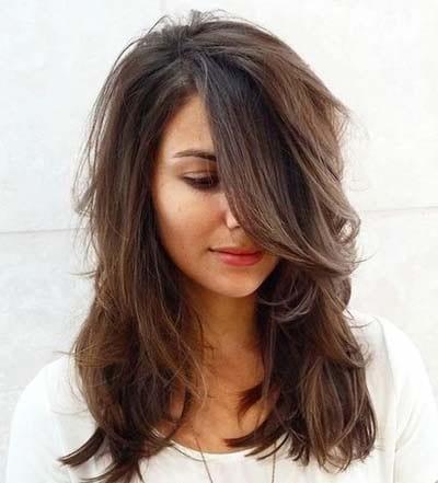 Φιλαριστά μαλλιά: Υπέροχες ιδέες για σαγηνευτικά κουρέματα και χτενίσματα