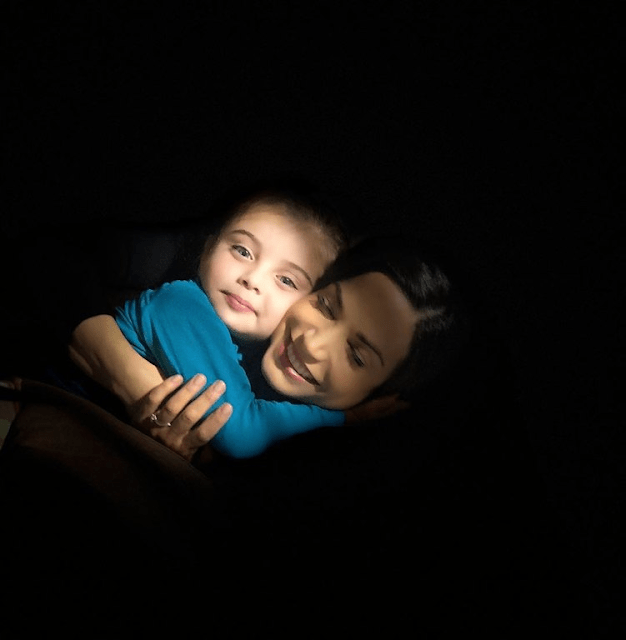 Η γλυκιά Κατερίνα Γερονικολού Ποζάρει με την Κόρη της και μας Κάνει να Λιώσουμε από Λατρεία