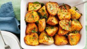 Μυρωδάτες πατάτες φούρνου με καπνιστή πάπρικα και κύμινο