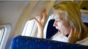 Ο Αληθινος λόγος που οι Αεροσυνοδοί σας αναγκάζουν να σηκώνετε τα κλείστρα των παραθύρων κατά την απογείωση του Αεροπλάνου