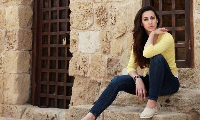 Η Ελληνίδα ηθοποιός ποζάρει λίγο πριν γεννήσει