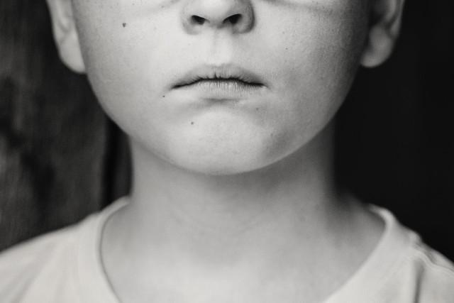 Αυτή η ερώτηση δείχνει αν κουβαλάτε κάποιο ξεχασμένο παιδικό τραύμα!